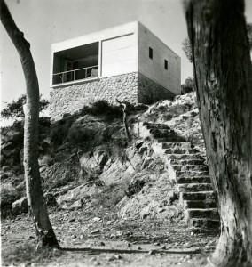 Foto de Margaret Michaelis de las Casas de fin de semana en la costa del Garraf, Barcelona, 1935. Arquitectos: Josep Lluís Sert y Josep Torres Clavé.